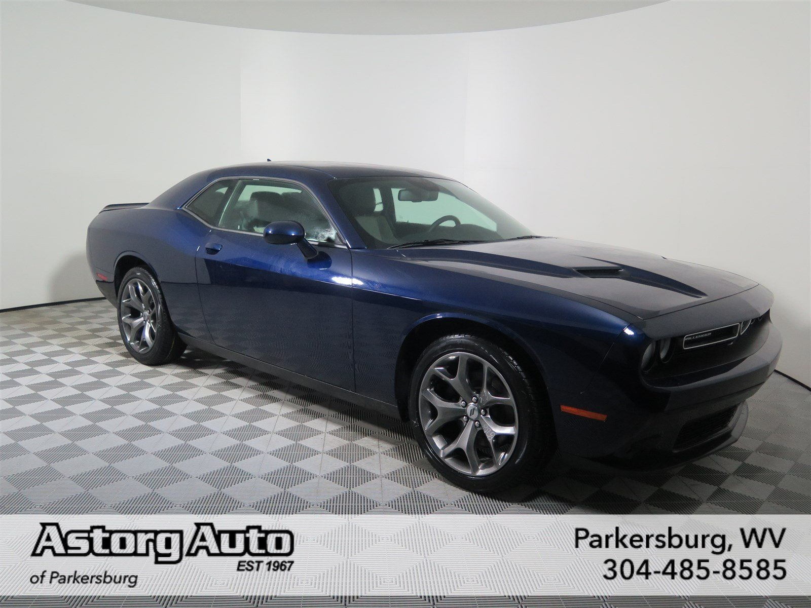 new 2017 dodge challenger sxt plus 2dr car in parkersburg. Black Bedroom Furniture Sets. Home Design Ideas