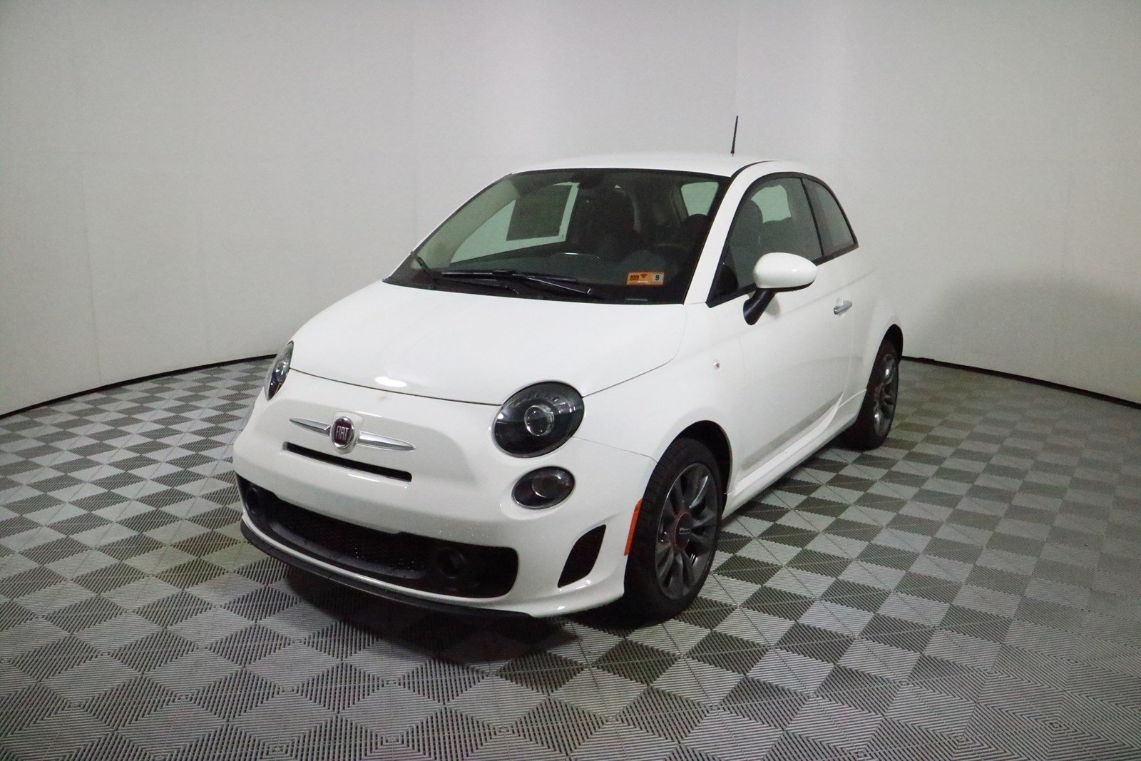 New 2018 Fiat 500 Pop Hatchback In Parkersburg D7425 Astorg Auto Spare Tire Location