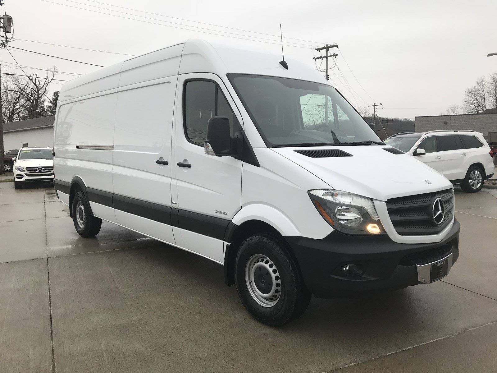 mercedes benzsprinter vans km cargo roof high en benz sprinter work used ca