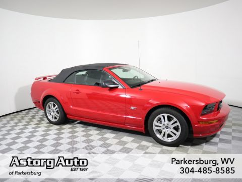 Pre-Owned 2005 Ford Mustang GT Premium